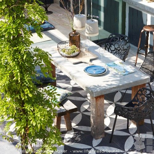 25 beste idee n over frans terras op pinterest franse binnenplaats kalksteen patio en - Moderne buitentuin ...