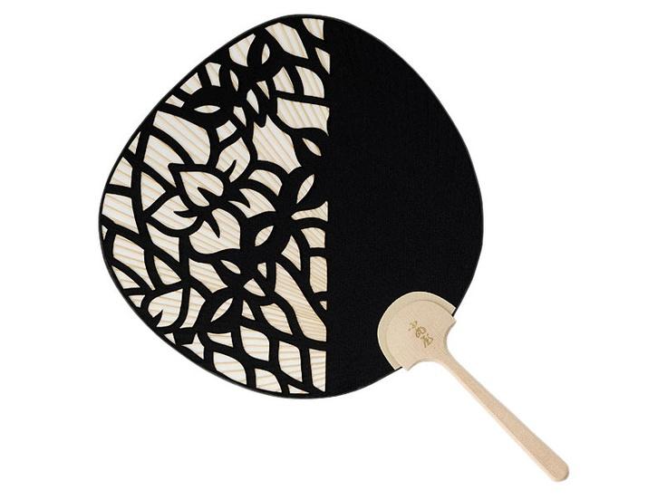 Cut paper uchiwa (fan)