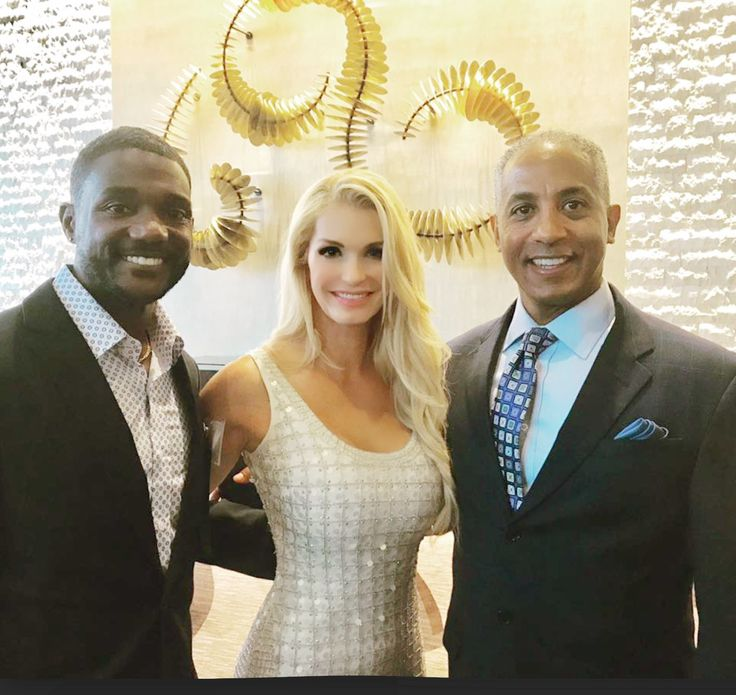 """Congratulations to runner Justin Gatlin who on Saturday beat Usain Bolt in London to win the 100m final in 9.92 seconds! 🏃🏿 (With he and his agent in June at the Hall of Fame)  - 🔹www.TiaraCameron.com 🔹www.Womens-Protein.com 🔹www.TiaraProtein.com 🔸Download the free """"Tiara Cameron"""" app downloaded from your App Store. Look in the exclusive content section of the app"""
