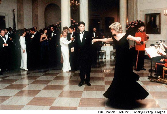 Diana dancing with John Travolta: White Houses, Velvet Dresses, Princesses Diana, Princessdiana, Princess Diana, Diana Dance, Ronald Reagan, John Travolta