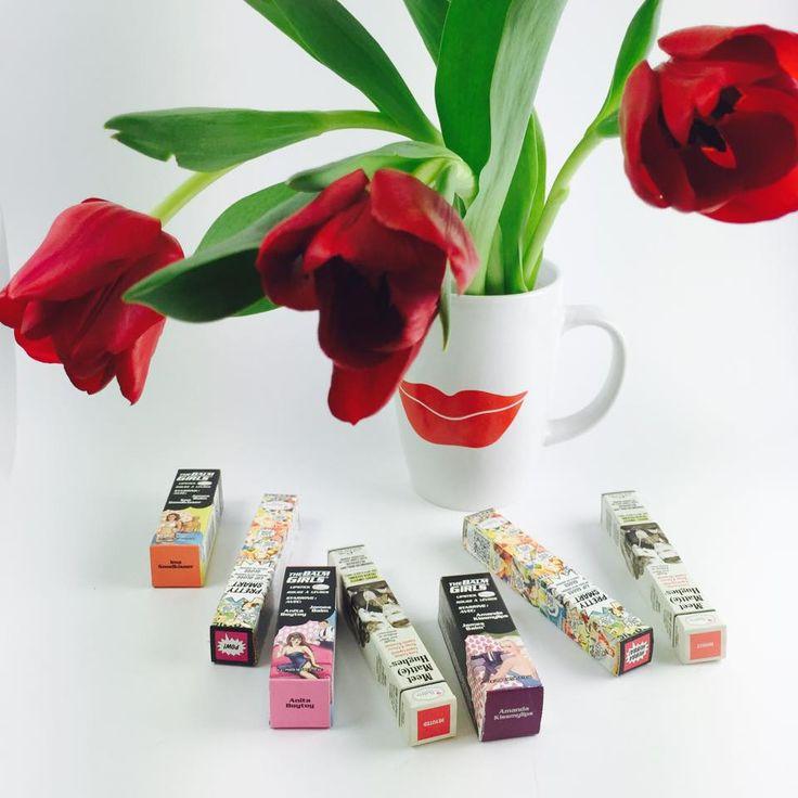 Γεμίστε τη ζωή σας χρώμα και αγάπη!  #thebalmcosmetics #beautytestboxeshop Find Here ▶http://www.beautytestbox.com/woman/proionta?manufacturer=136&brand=119_136 #beautytestbox #cosmetics #lipstick #colorful #flatlay #office #beautyteditor #greece #eshop #beautyproducts #shopnow #beauty #makeup #tulips #flowers