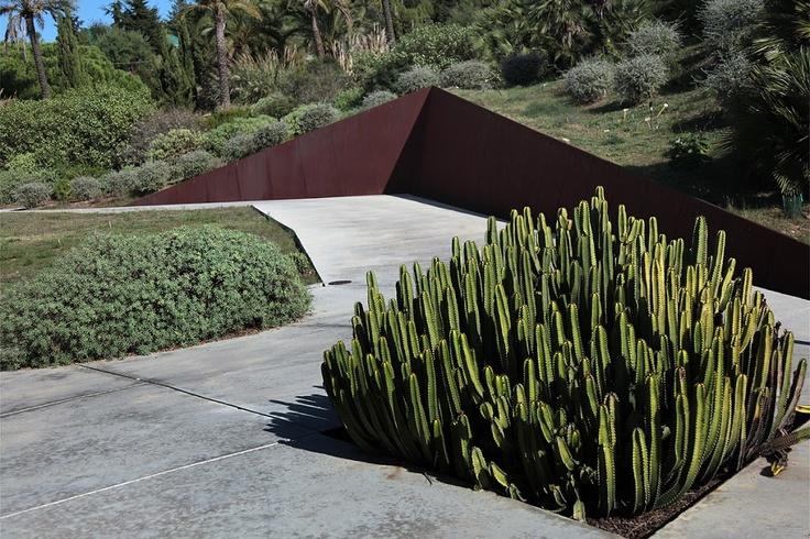 El jard n bot nico de barcelona by arch carlos ferrater for Barcelona jardin botanico