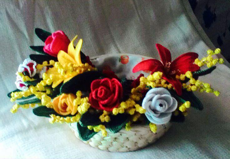 Cestino con fiori uncinetto