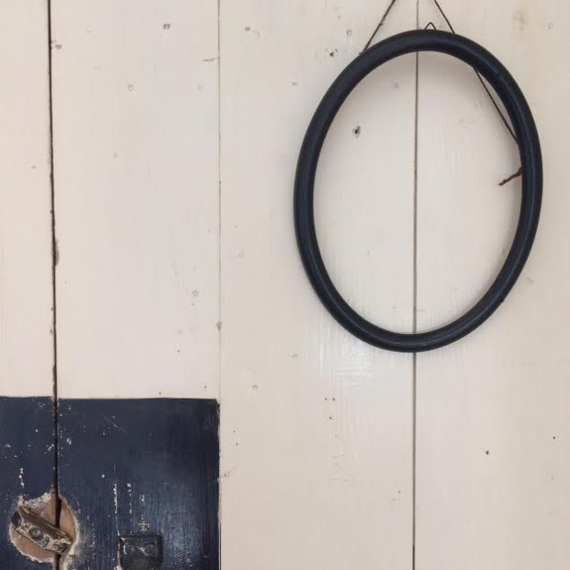 les 25 meilleures id es de la cat gorie cadre ovale sur pinterest cadre de balan oire en a. Black Bedroom Furniture Sets. Home Design Ideas