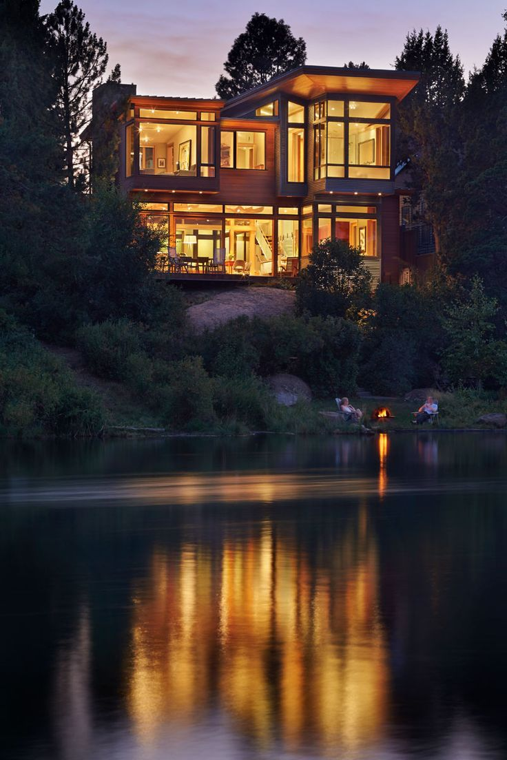 This Contemporary Home Sits On A River In Oregon // Deschutes House by FINNE…