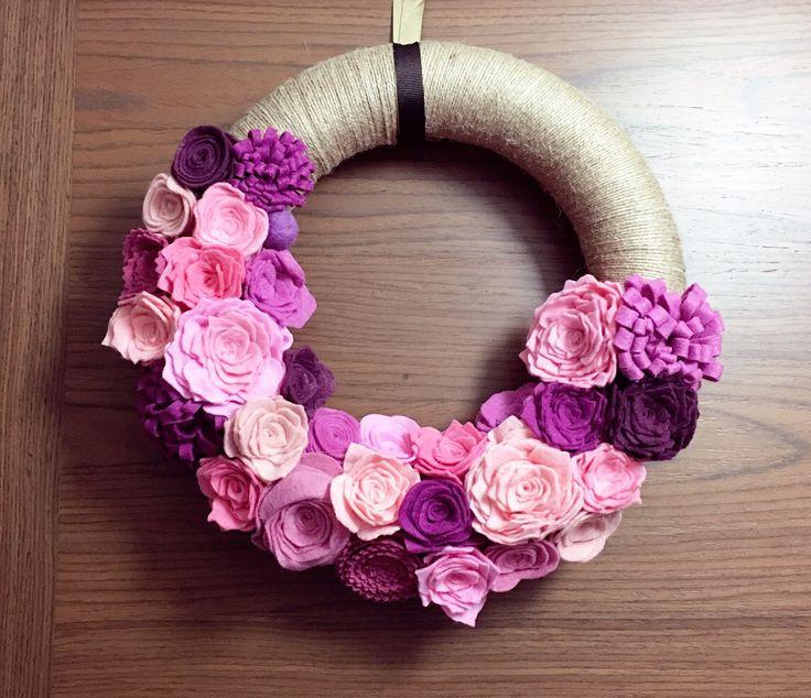 Wreath with felt flower..