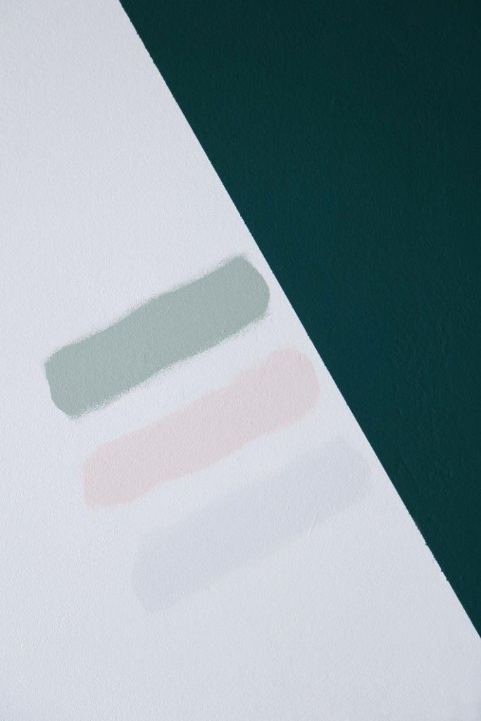 Prachtig shot van Marij Hessel van Enter my attic.  De prachtige kleur 100% Palmgroen gecombineerd met Early Dew, Stylish Pink en Fresh Linen. Durf jij ook voor kleur te gaan of wil je eerst thuis je kleur testen? Vind jouw exacte kleur met de Flexa Kleurtesters.