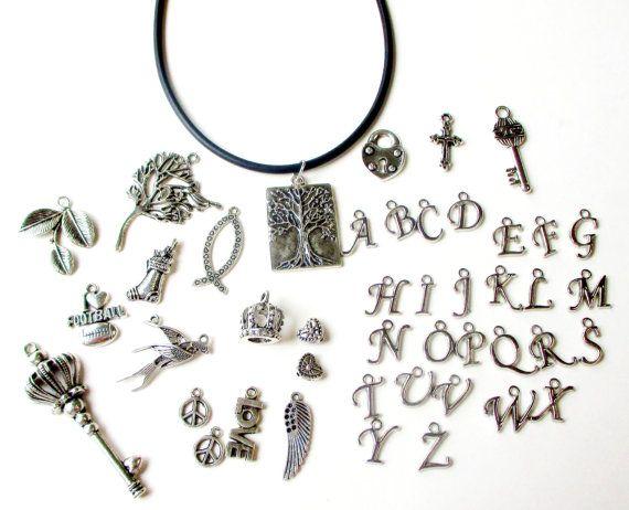 Charme d'initiales Charm Necklace collier de charme par BijiJewelry