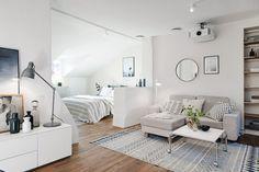 Post: Ático de 50 m² cálido, acogedor y lleno de estilo ---> ático cálido acogedor, ático estilo nórdico, blog de decoración nórdica, decoración de estilo nórdico, decoración gris blanco, decoración mini aticos, espacios abiertos, mini pisos pequeños deco