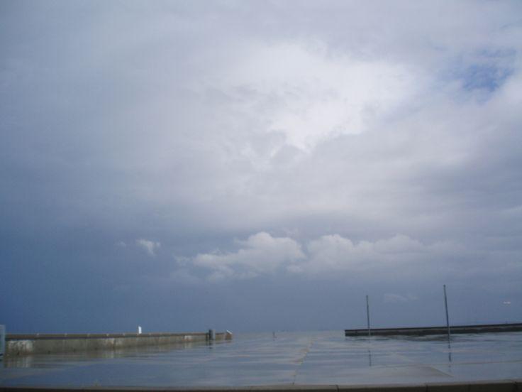 En regnvejrsdag. Hvad er himmel og hvad er hav