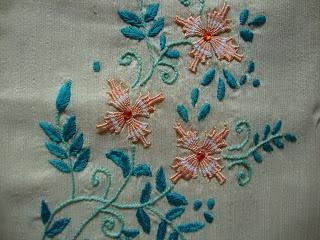 Pinch Of This And Dash Of That: Kamal kadai embroidery on salwar