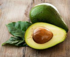 Avocat et de l'huile de noix de coco Découvrez comment réparer les cheveux brûlés