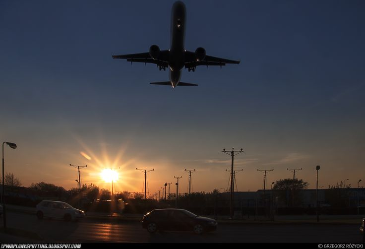 Landing at RWY 11. Fot. Grzegorz Różycki