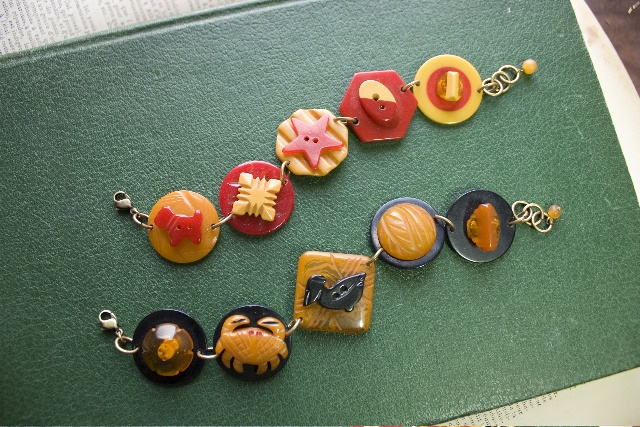 Grandmother's Buttons – Do-it-yourself button jewelry