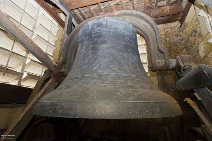 "Swinging Church Bells : ""big joe is the largest swinging bell ever cast in"