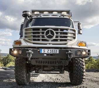 Rochas ornamentais a bordo do motor home de luxo da Mercedes-Benz