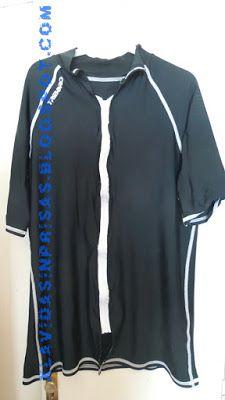 Camiseta solar con cremallera. ¿o soy yo la única que no se la puede quitar mojada?