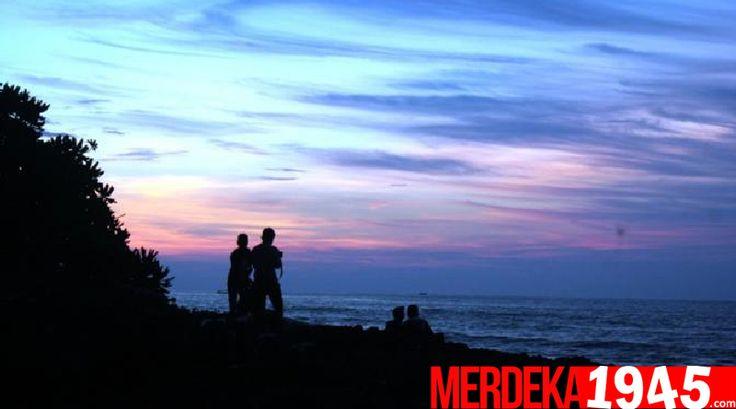 Memburu Senja di Pantai Tanerros Menikmati Jingga di Batas Cakrawala