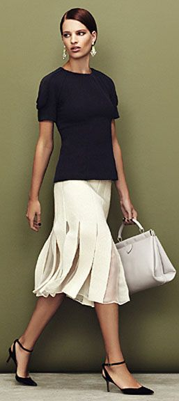 Top, Marni ~ Skirt, Giambattista Valli ~ Earrings, Noir Jewelry ~ Bag, Alaia ~ Pumps, Nicholas Kirkwood