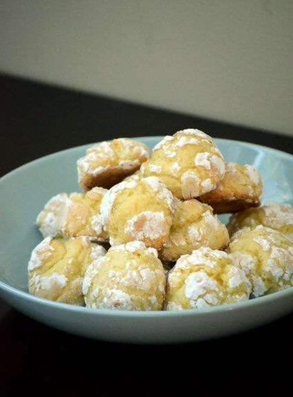 Ciambelli, Italian cookies. Italian Cookie Recipes are the crown jewels of Italian confections. Get more info on different kinds of Italian cookies and Italian cookie recipes: http://www.cookie-elf.com/italian-cookie-recipes.html