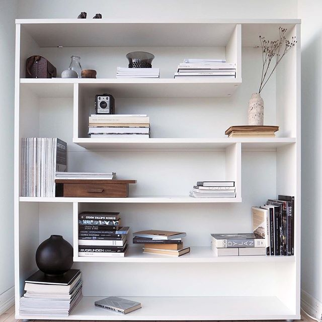Happy Monday! #shelfie #askogenghome