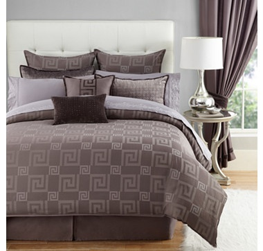 Give your bedroom a whole new look without spending a fortune with this fabulous Hazelton duvet cover set from Jeffrey Fisher.