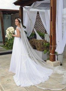Vestido hecho en chifón de seda y tul remarcado de canutillo. http://www.revistanovias.com.co/