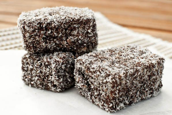 Lamingtons | Addictive and consuming - Jeroxie is a Melbourne & Sydney food blog In Australia that writes about her culinary experiences in and out of the kitchen.