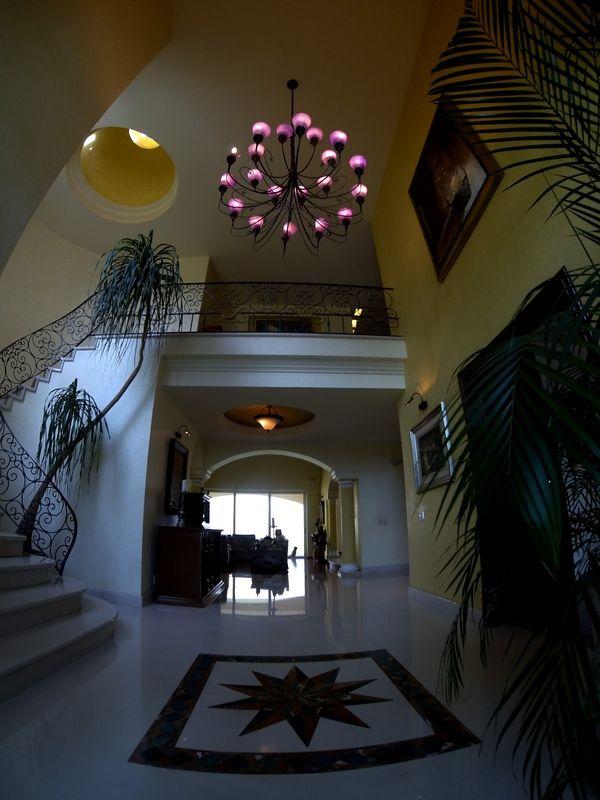 Residencia con alberca en Puerta de Hierro Zapopan