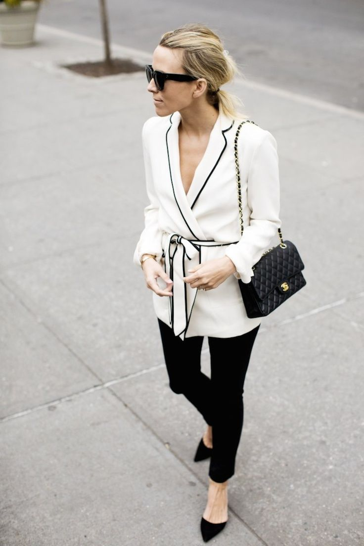 Fashion Inspiration | Belted Robe Blazer & Black Skinnies