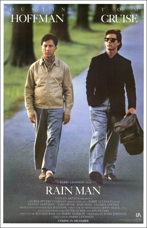 """Rain Man (1988) comienza a forjar mi personal imagen de Barry Levinson, que después Robert Altman retrataría con certeza en """"The Player"""", al tratarse de un director que aprovecha un éxito comercial reciente para aplicarle una fórmula y crear así su proyecto personal. En el caso de """"Rain Man"""", no me extrañaría nada que el inesperado éxito de """"Children of a Lesser God"""", le llevara a concebir una buddy movie, aportando un coche y una diferencia: que uno de los buddies sea autista."""