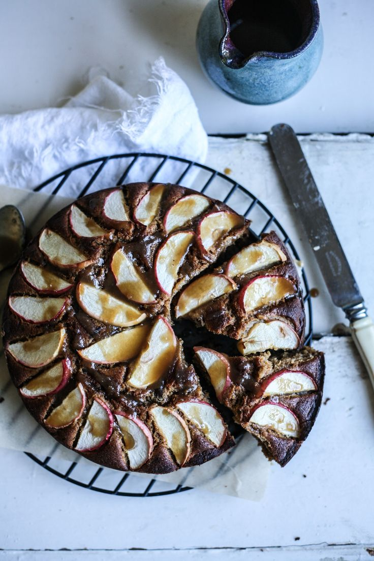 Spiced Apple Cake with Butterscotch Sauce - recipe #daisyandthefox #baking