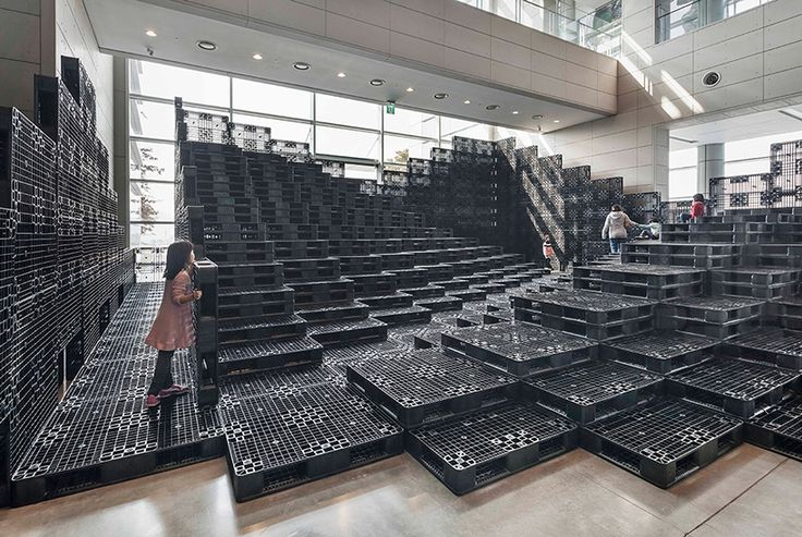 HG-A + live components build tectonic landscape with 1000 recycled pallets