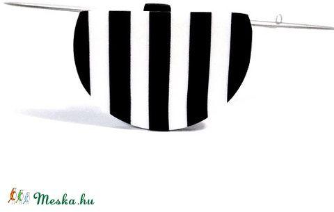 Meska - Fekete  fehér csíkos minimál medál merev nyaklánc Browny kézművestől