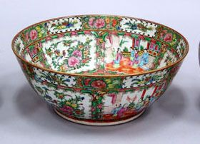 Chinese Export porcelain large circular punch bowl with typical polychrome rose medallion decor, circa 1870 Auction Catalog – Nadeau's Auction Gallery