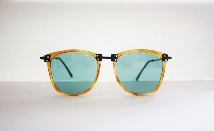 Vintage sunglasses Shopping mod. 800 Wayfarer Nerd Hipster Made in Italy.NOS by GlassesVintage on Etsy https://www.etsy.com/listing/215524431/vintage-sunglasses-shopping-mod-800