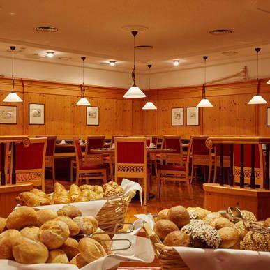 Frühstücksbuffet - H+ Hotel & SPA Engelberg