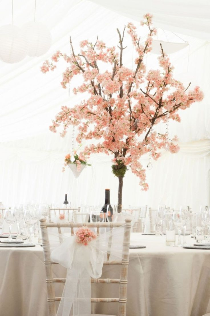 Beautiful Cherry Blossom Wedding Themed Decoration Ideas You Will Totally Love 18