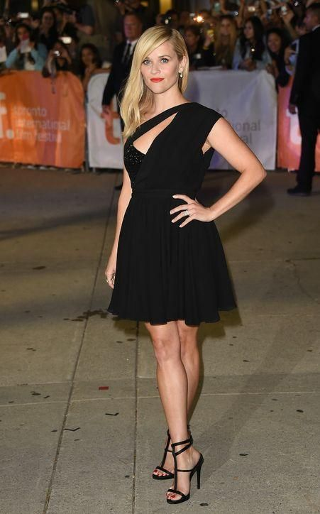 Reese Witherspoon says she doesn't like wearing black, but we love this dress!