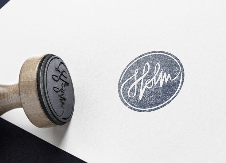 Handcrafted items by Holm. The logo is made by hand-written style for squaring the feeling of doing things manually.