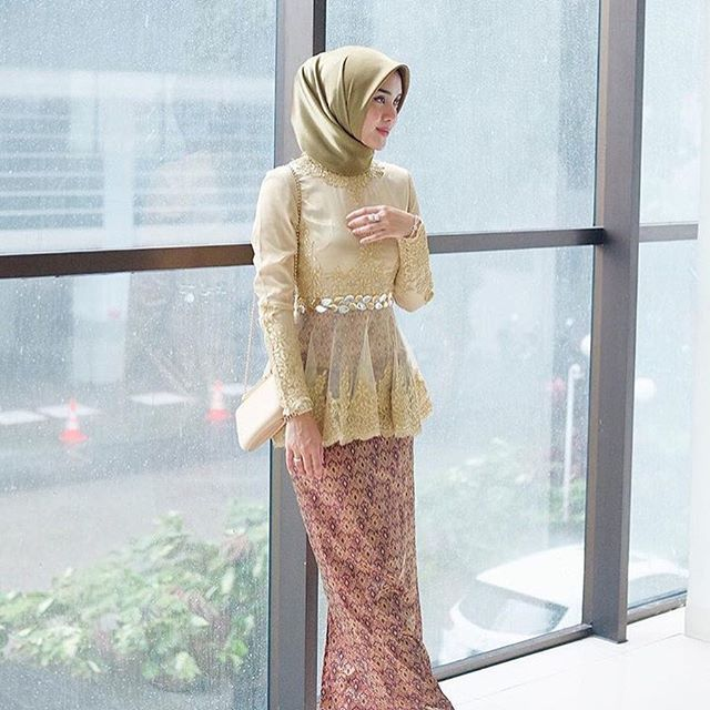 Kebaya Inspirations from @tiqasya