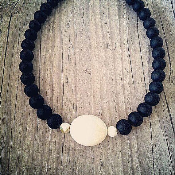 Elegant black necklaceShort black necklace Black by Karavakishop
