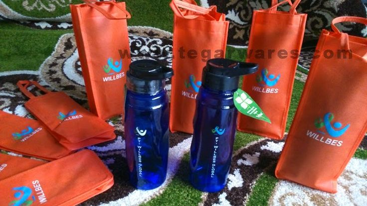 Onyx 700ml, A BPA free waterbottles plus goody bag ordered by PT Willbes Global, an textile industry in West Java.