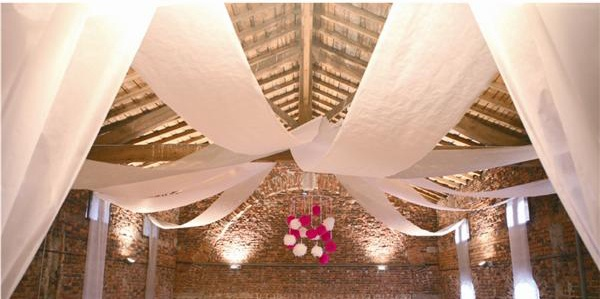 En encontrar s las telas blancas que necesitas para decorar tu fiesta ibicenca - Telas para decorar ...