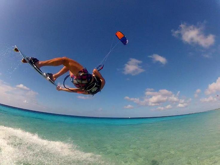 kiteboarding on bonaire     Kitesurfing on Bonaire Rent villa on Bonaire www.villa carina .com