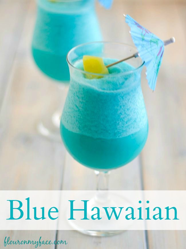 Sip on a Blue Hawaiian Cocktail this summer   at your next pool party! Blue cocktails are beautiful via flouronmyface.com