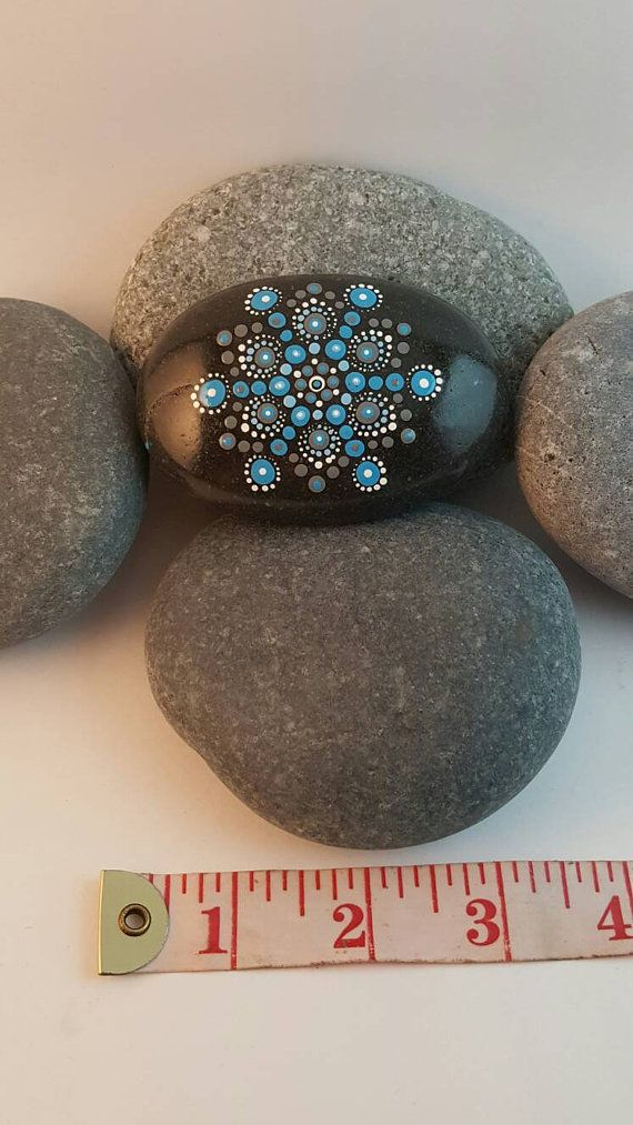 Check out this item in my Etsy shop https://www.etsy.com/ca-fr/listing/281363730/pierre-mandala