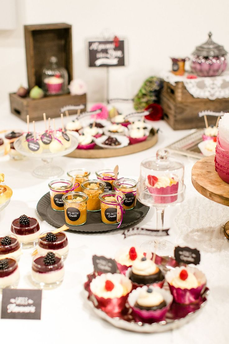sweet candy table dessert.auswahl fruchtig