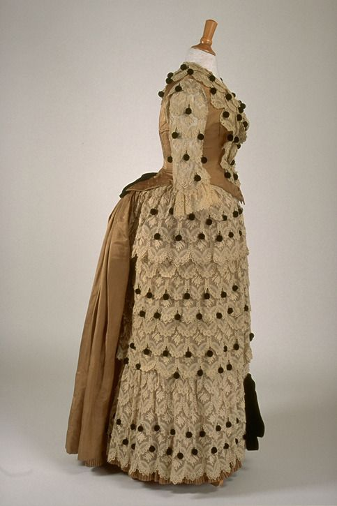 Dress, 1880′s From the Musée du Costume et du Textile du Québec