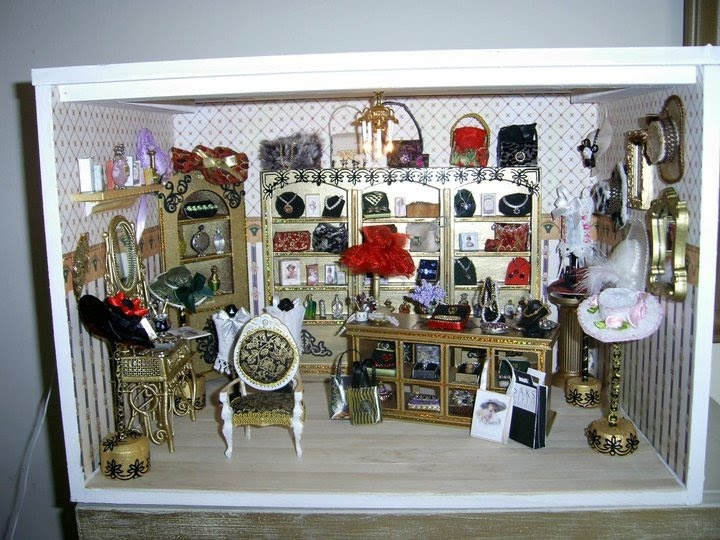 this lovely ladies shop, was created by me, I made all the hats, jewellery and painted the furniture: Minis Marvel, Dollhouses Shops, Dollhouses Hats, 1 Hats Purses, 1 Minis Roombox 1, Roomboxes Ambientes 1 12, Purses Shoes Umbrellas, 1 Minis Roomboxes 1, Miniatures Shops
